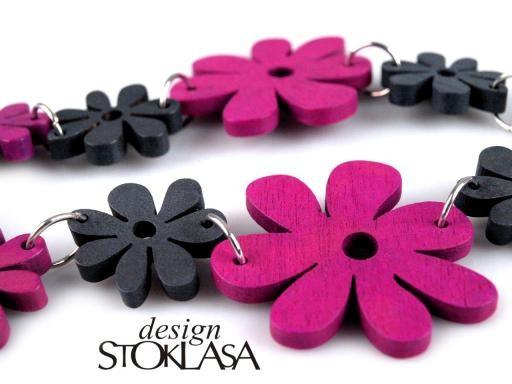 Náhrdelník s dřevěnými květinkami DESIGN STOKLASA (1 ks)