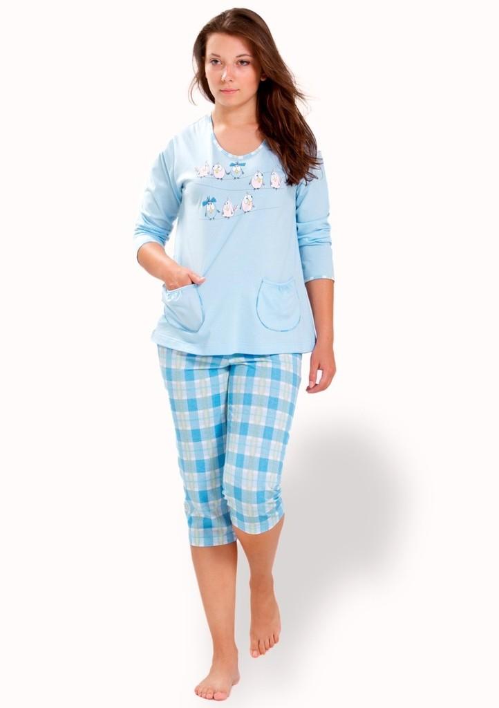 Dámské pyžamo s dvěma kapsami a capri kalhotami