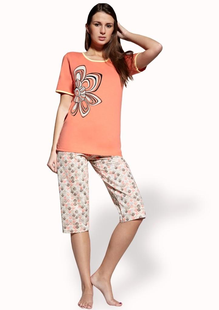 Dámské pyžamo s obrázkem květu a capri kalhotami
