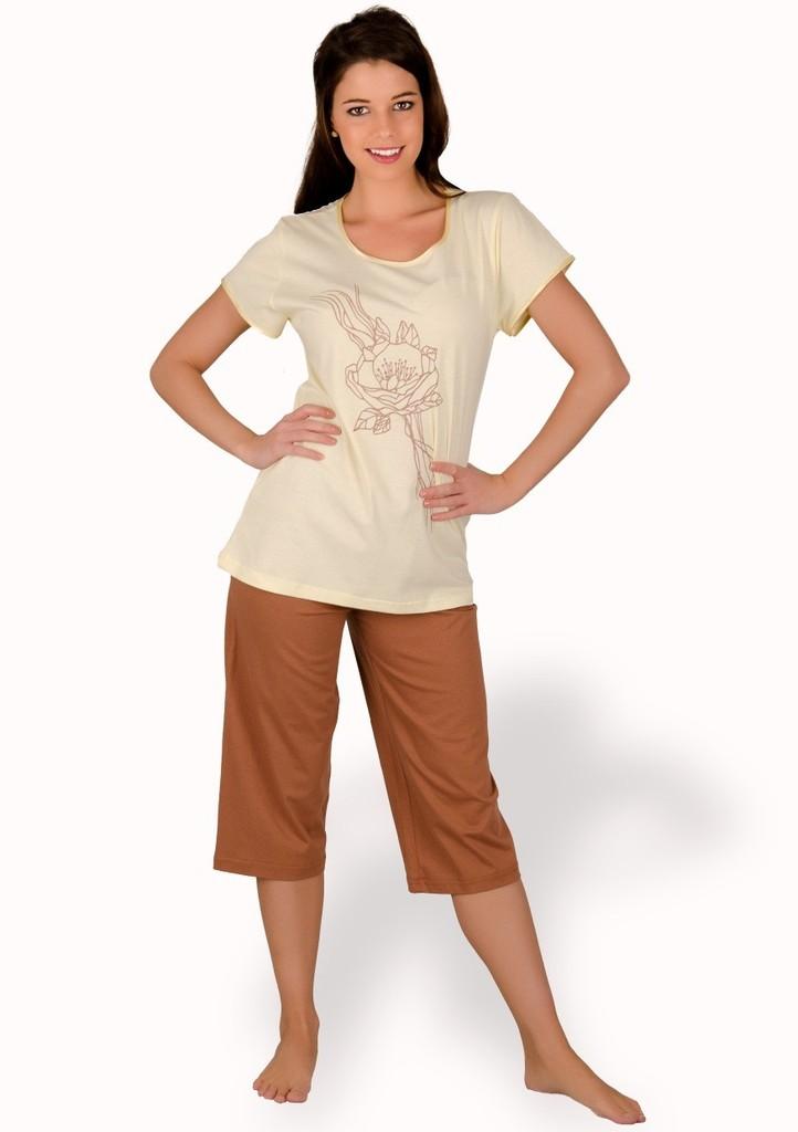 Dámské pyžamo s obrázkem růže a capri kalhotami