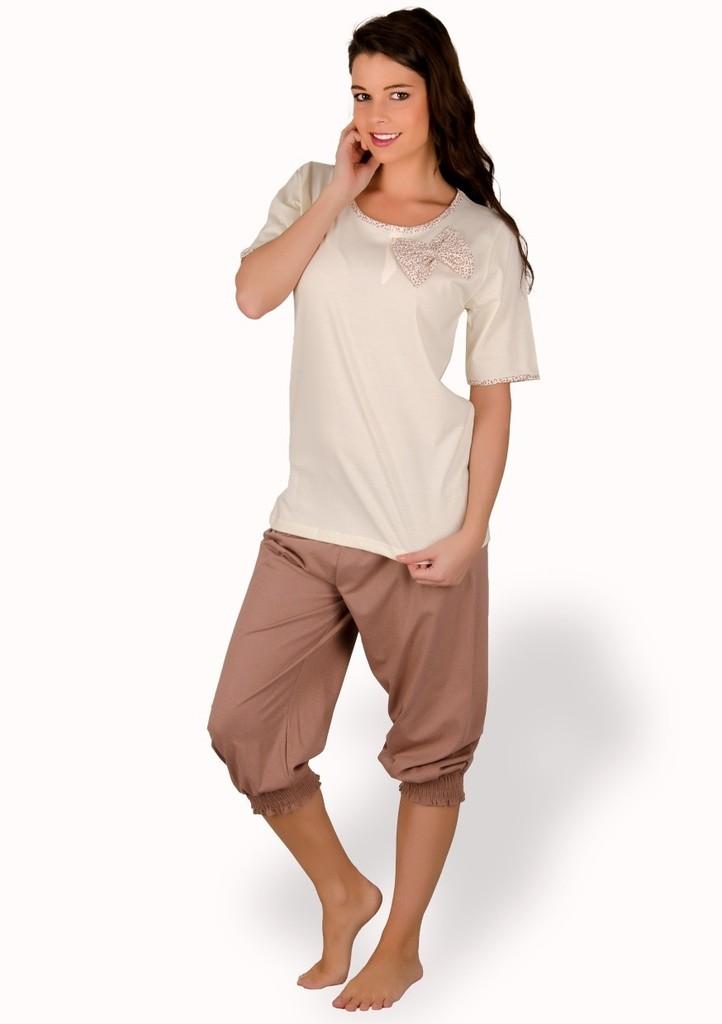 Dámské pyžamo s velkou mašlí a capri kalhotami