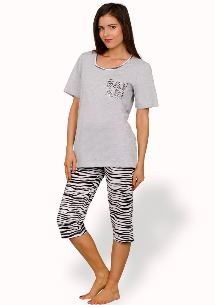 Dámské pyžamo s nápisem Safari a capri kalhotami