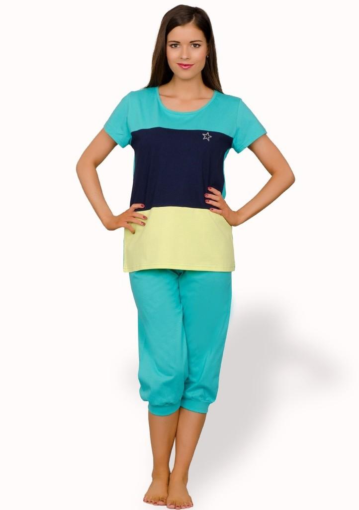 Dámské pyžamo s hvězdičkou a capri kalhotami