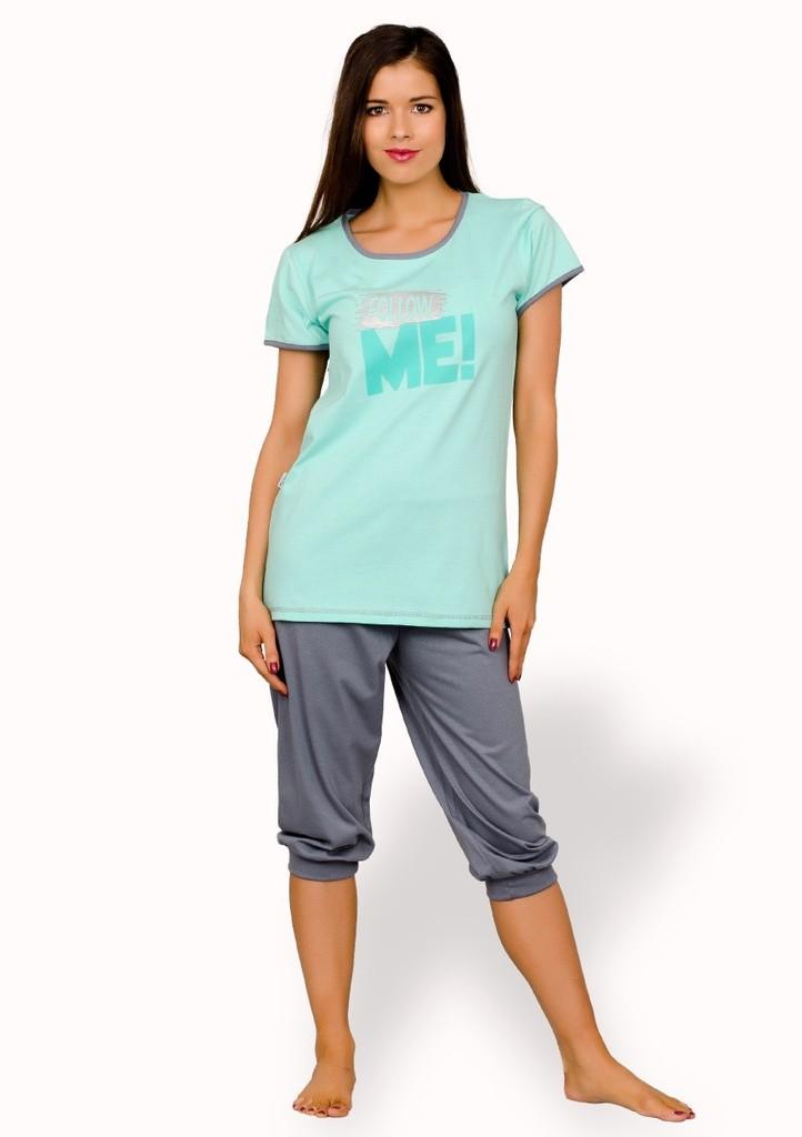 Dámské pyžamo s nápisem Follow me a capri kalhotami