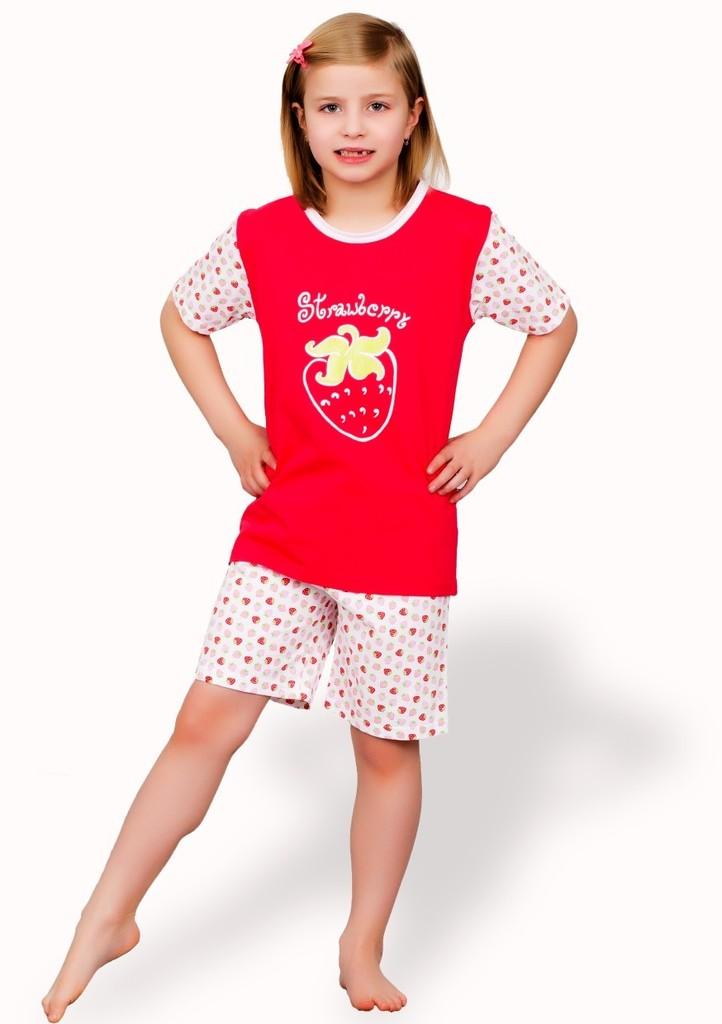 Dětské pyžamo s obrázkem jahody a kraťasy
