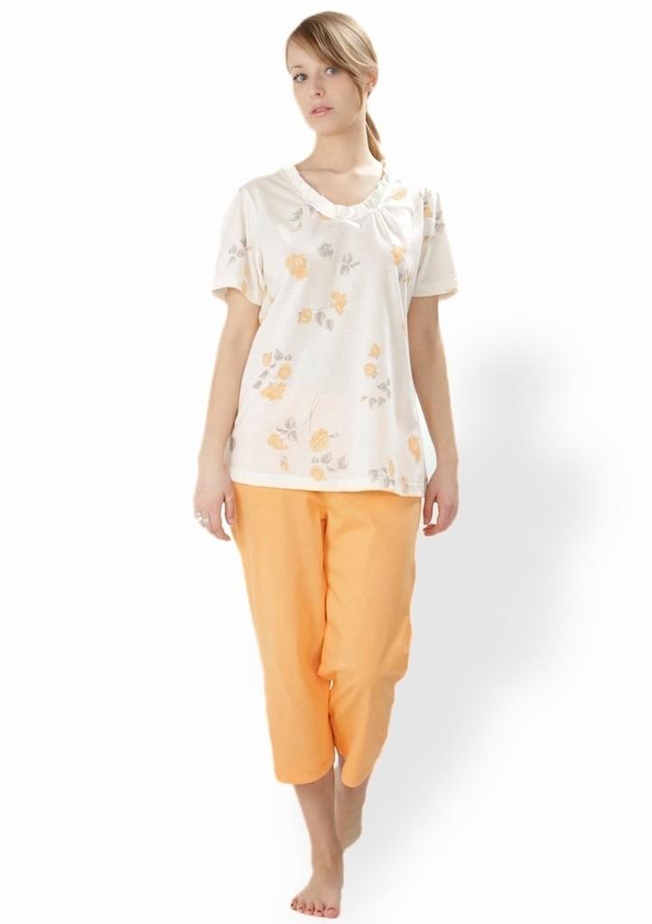 Dámské pyžamo s vzorem růží a capri kalhotami
