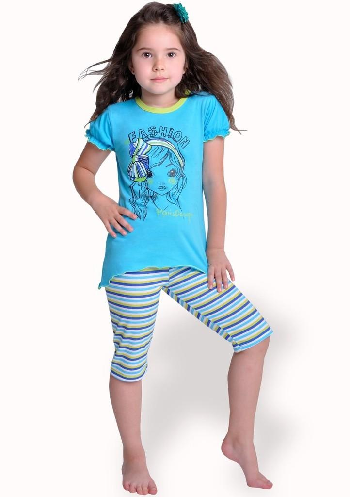 Dětské pyžamo s obrázkem dívky a capri kalhotami