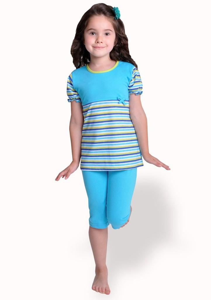 Dětské pyžamo s pruhem a capri kalhotami