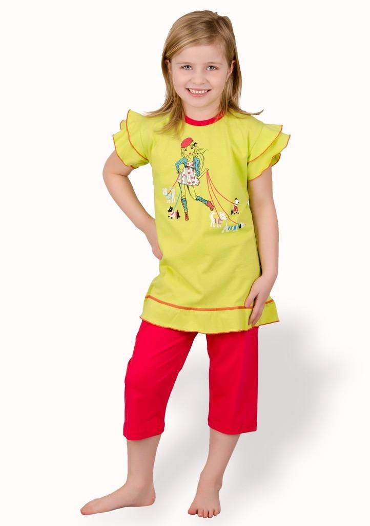 Dětské pyžamo s obrázkem modelky a capri kalhotami