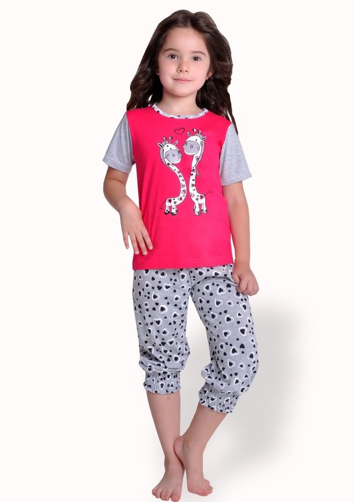Dětské pyžamo s obrázkem žiraf a capri kalhotami