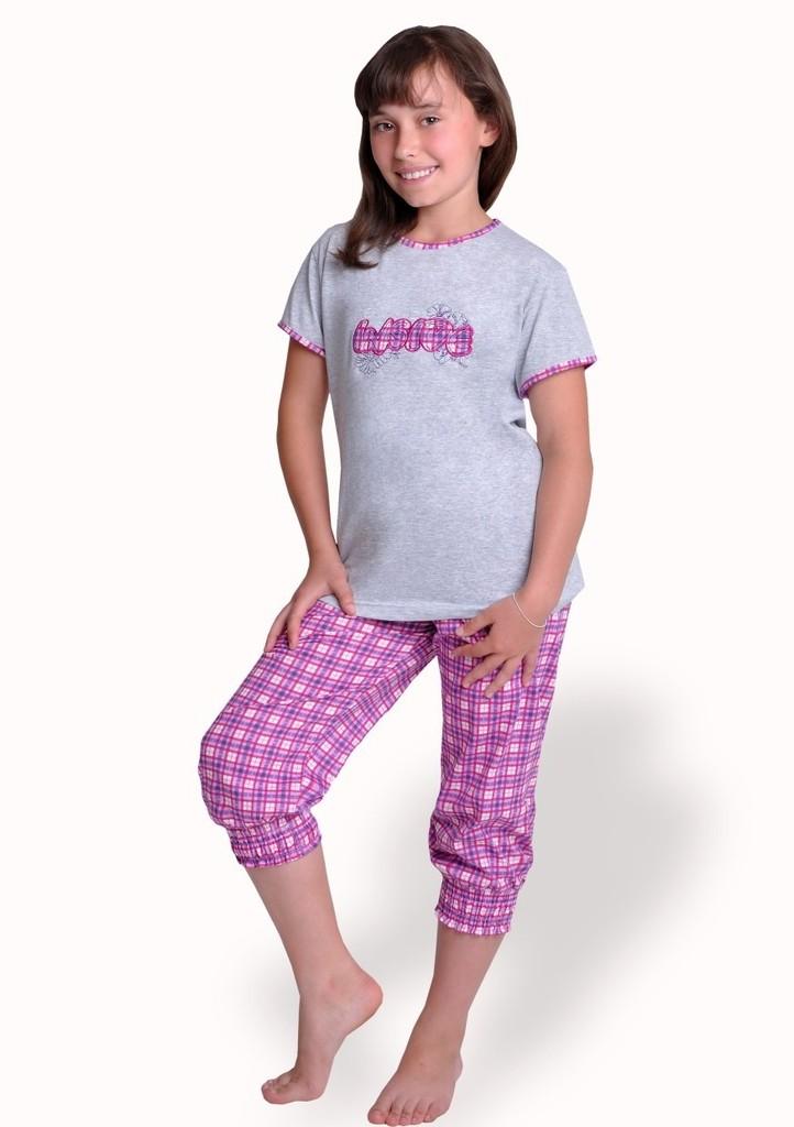 Dívčí pyžamo s capri kalhotami se vzorem kostky