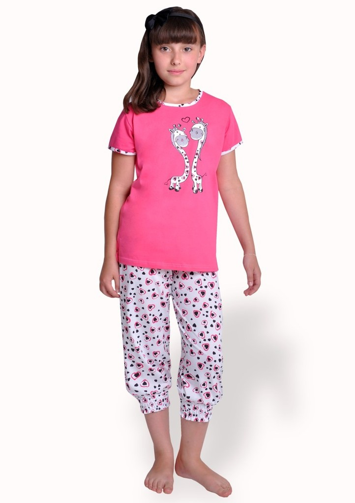 Dívčí pyžamo s obrázkem žiraf a capri kalhotami