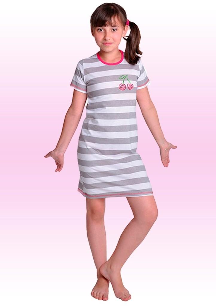 Dívčí noční košile s obrázkem dvou třešní