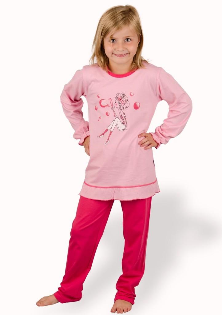 Dětské pyžamo s obrázkem dívky s bublinami