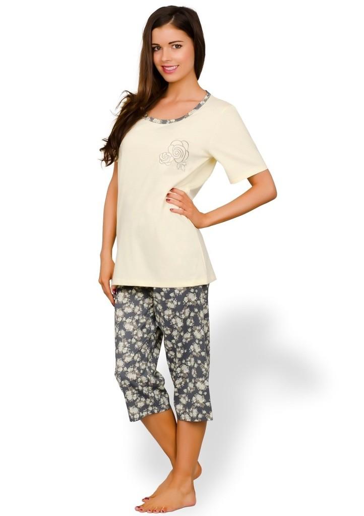Dámské pyžamo capri se vzorem růží