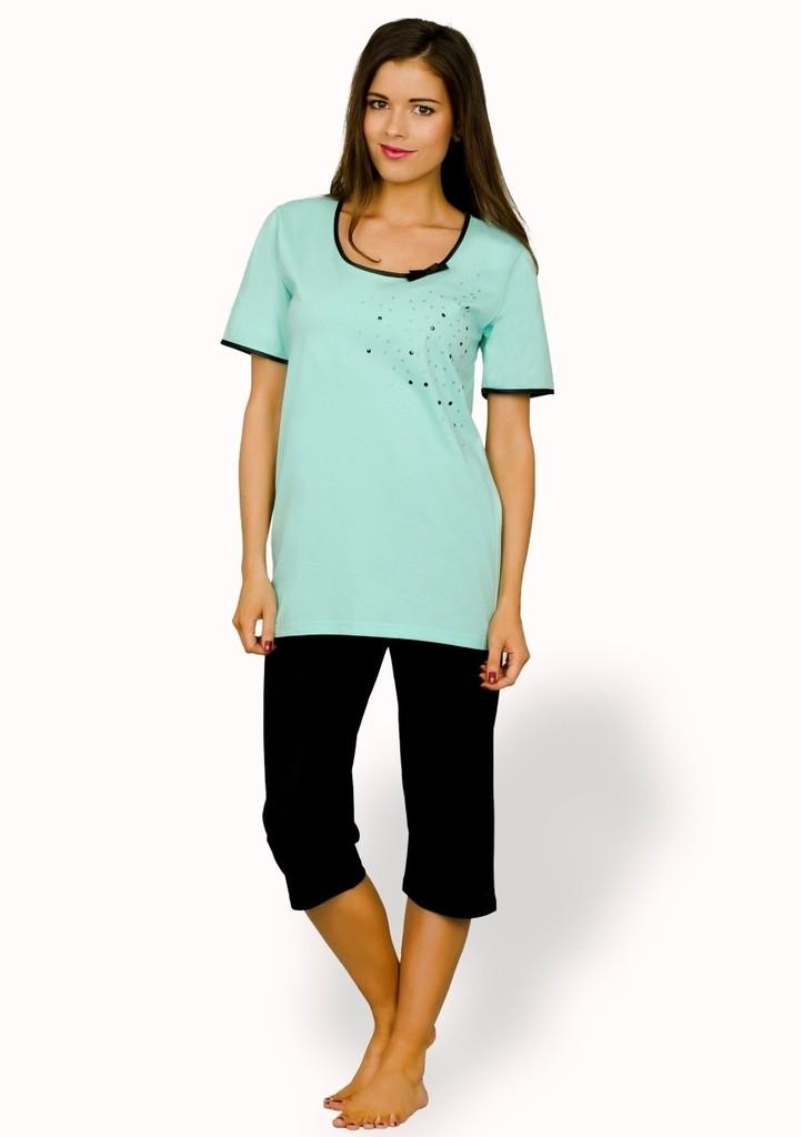 Dámské pyžamo s barevnými puntiky a capri kalhotami