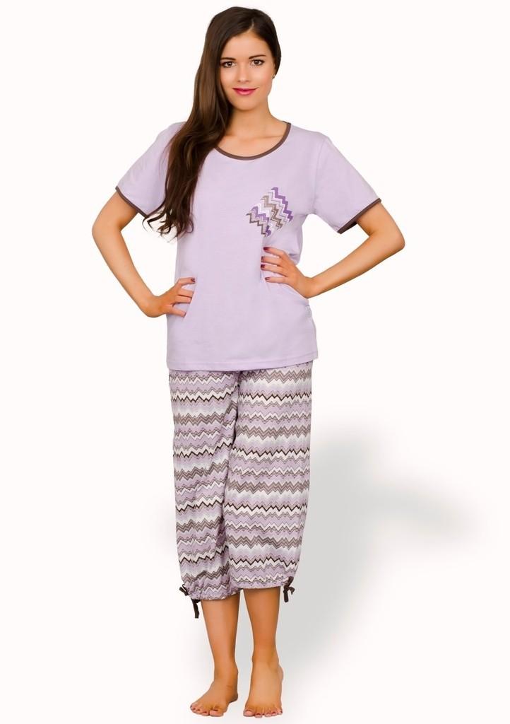 Dámské pyžamo capri s barevným cikcak vzorem