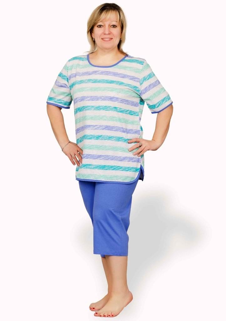 Dámské pyžamo nadměrné velikosti se vzorem pruhu