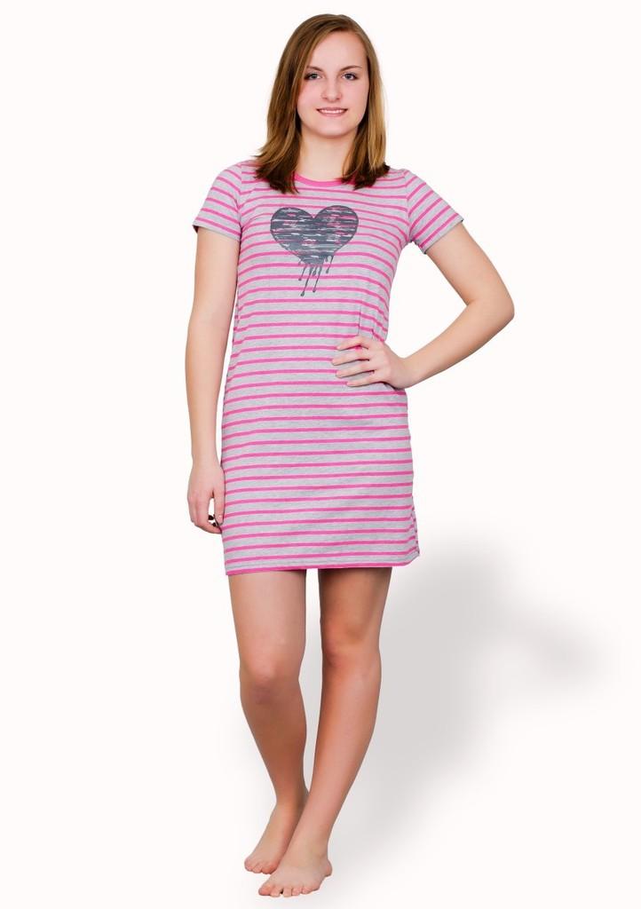 Dívčí noční košile se vzorem jemného proužku